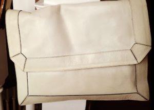Afla cum sa-ti alegi geanta retro potrivita